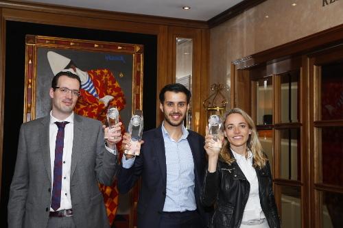 Young Professional winnaar Salim Hadri (midden) met medefinalisten Jeroen Both en Constance Scholten