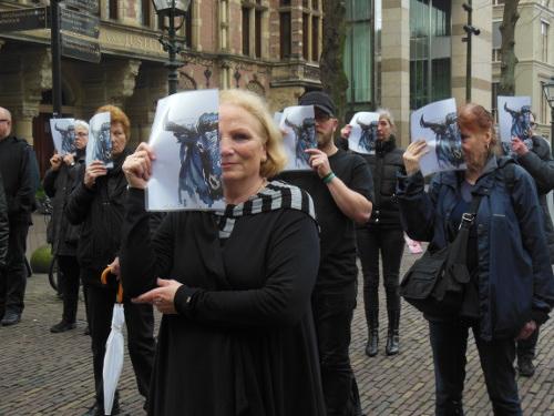 [Protest in Den Haag tegen stierengevechten. Foto © CAS International]