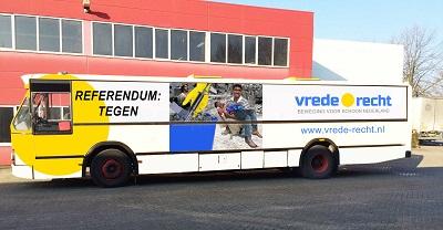 [Schoonmaakbeweging start stedenreferendumtour door Nederland]