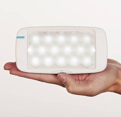 Vandaag introduceert het Goodlite Lichttherapie opnieuw een innovatieve lichttherapielamp voor de behandeling van o.a. winterdepressie, vermoeidheidsklachten en slaapproblemen, de Litebook EDGE.
