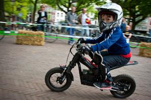 Voor de allerkleinsten is er een elektrische motorcross.