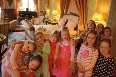 [Foto: Kidstour in pyjama op Kasteel de Haar]
