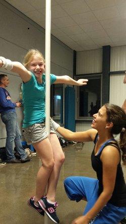 [Foto Pole Fitness for Kids/Teens]