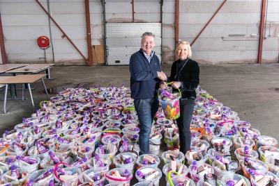 [RegioIsolatie viert opening nieuwe Vestiging in Apeldoorn met nieuwjaarspakketten voor de Voedselbank]