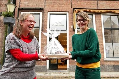 Careander opent vrijdag 14 december haar cadeauwinkel Net Effe Anders aan de Beekstraat 34 in het historische centrum van Elburg.