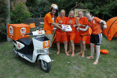 Pizza Thuisbezorgd op oranjecamping in Charkov
