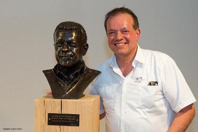 [Bronzen borstbeeld Wim Backers. Fotografie Eugène Notten]