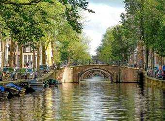 Search image amsterdam bruggen