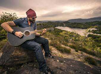 Search image gitaar1